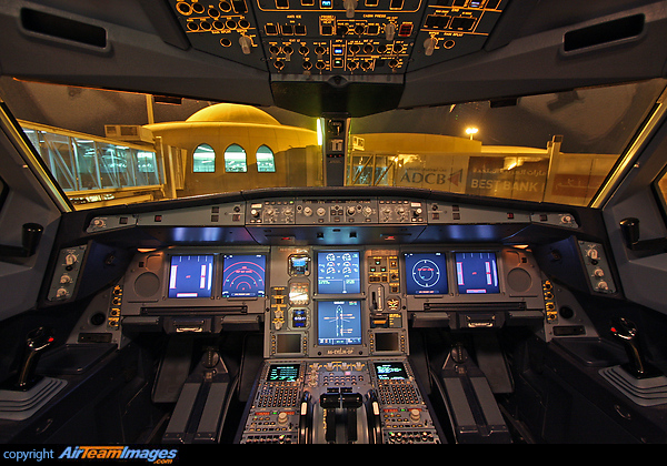 Airbus A330-243 (A6-EYE) Aircraft Pictures & Photos ...
