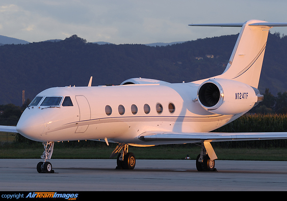 Gulfstream IV N124TF Aircraft Pictures Photos