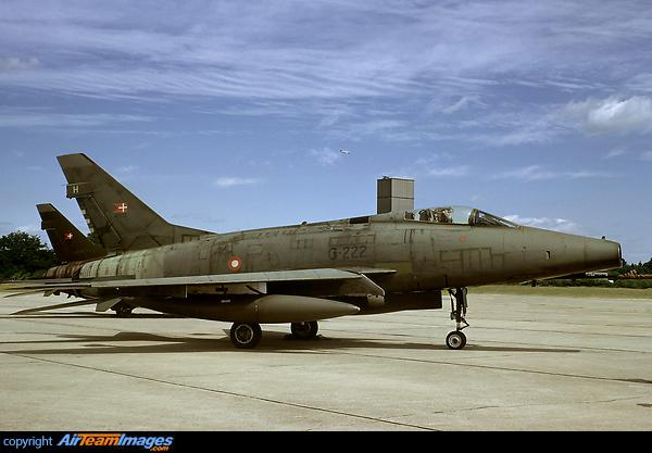 F-100 Super Sabre (42222) Aircraft Pictures & Photos ...
