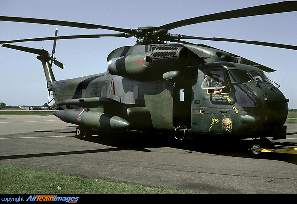 super jolly green giant helicopter with Sikorsky Mh 53 Pave Low 68 10928 Usa Us Army 67320 on Sikorsky Mh 53 Pave Low 68 10928 usa Us Army 67320 also Mh 53j moreover One For All Digital Aerial further H 53 Pics besides File A 1H.