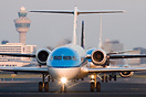 Taxiing with a VLM Fokker 50 and a KLM 737 Behind