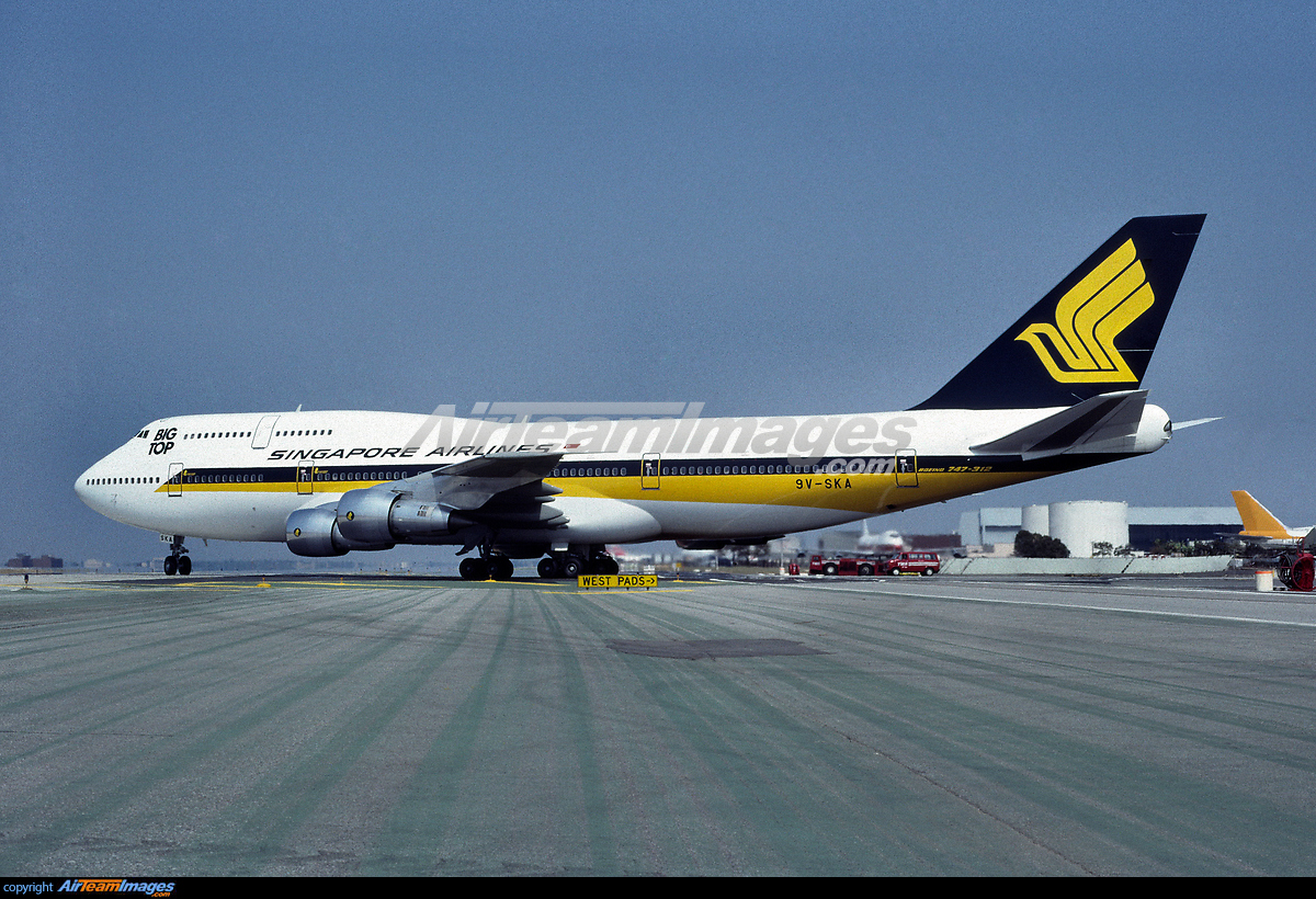 Boeing - 747 -300 - Large Preview - AirTeamImages.com