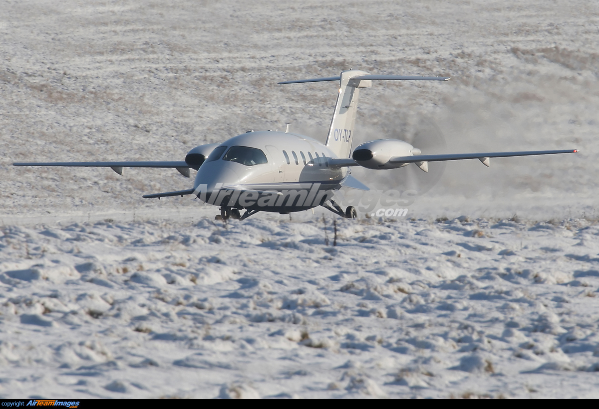 piaggio p180 avanti - large preview - airteamimages